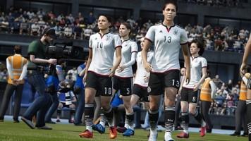 FIFA 16'da kadın futbol takımlarının ilk maçı