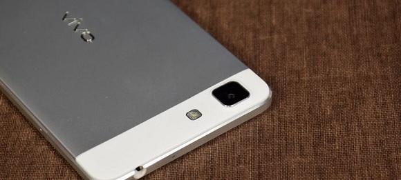 Vivo XPlay 5S'in kıskandıran özellikleri!