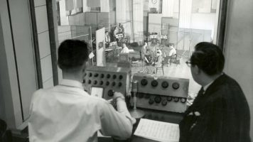 Philips Abbey Road Studios'un Resmi TV Ortağı Seçildi!