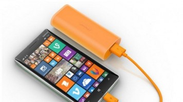 6,000 mAh'lik Microsoft harici batarya indirimde!