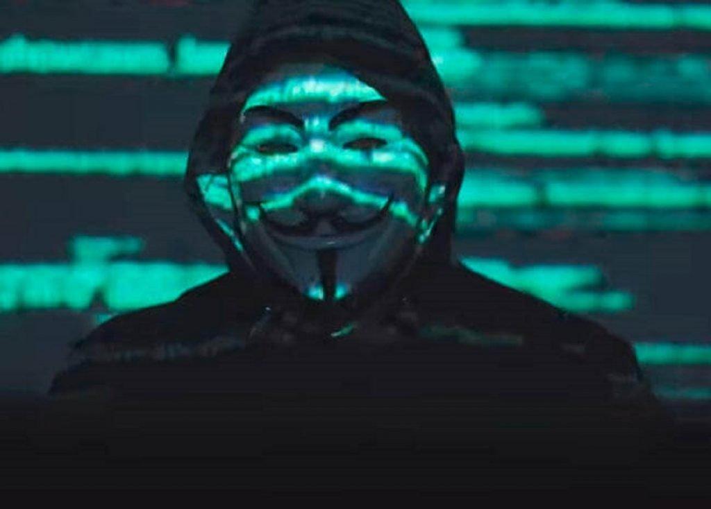 anonymous-george-floyd-cinayetinin-protestolarina-destek-verdi