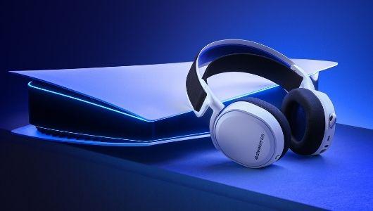 Bubitekno-steelseries-en-cok-satan-arctis-7yi-yeni-nesil-playstation-icin-yeniden-tasarliyor