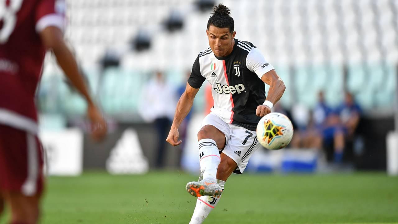 Cristiano Ronaldo Şut Çekerken